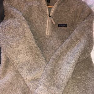 Fuzzy Patagonia half zip up